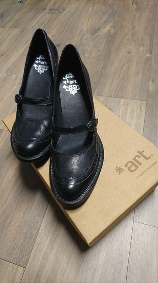 Zapatos de tacón bajo *art