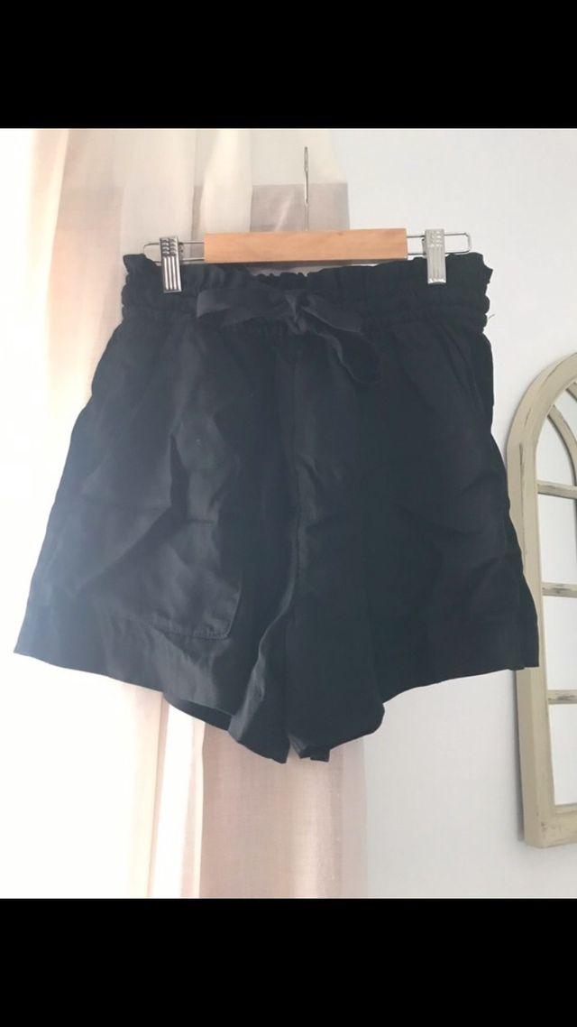 Pantalón corto negros 36 H&M