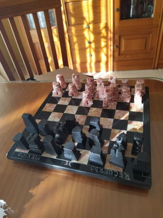 vendo ajedrez de mármol de 20 x 20 precio 20 €