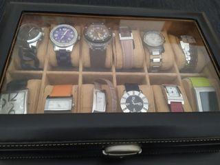 Relojero de piel con espacio para 12 relojes