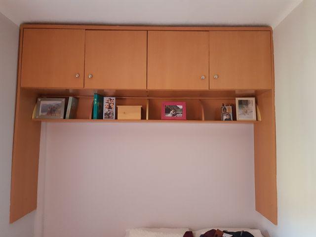 GRATIS. Estanterías con armarios no Ikea GRATIS