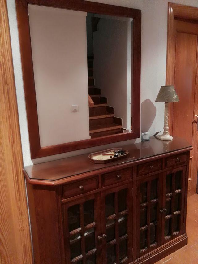 Mueble recibidor y espejo