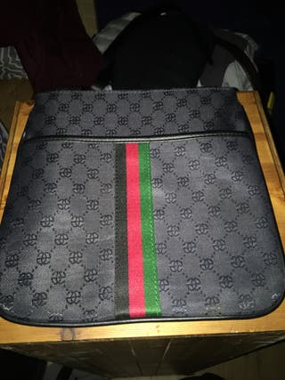 Authentic Gucci pouch