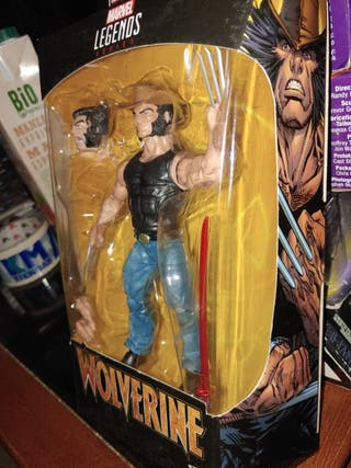 Marvel Classic- Legends Wolverine (Hasbro E86125L0