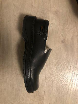 Zapato camarera