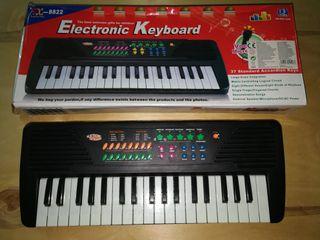 Teclado, órgano, piano electrónico.