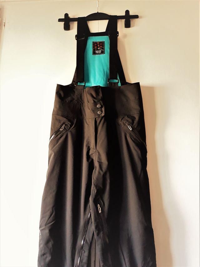 Pantalón con peto de esquí talla 40 de mujer
