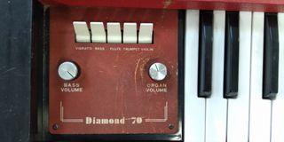 Teclado electrónico Diamond 70