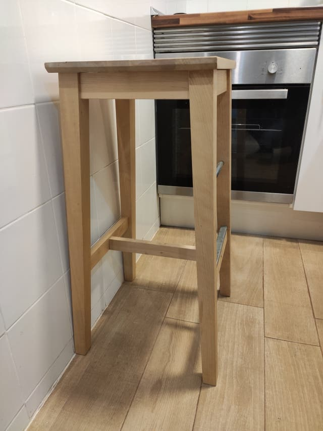 Taburete alto madera NILSOLLE IKEA