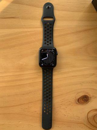 Apple Watch S4 Nike+ LTE 44 mm Caja de aluminio