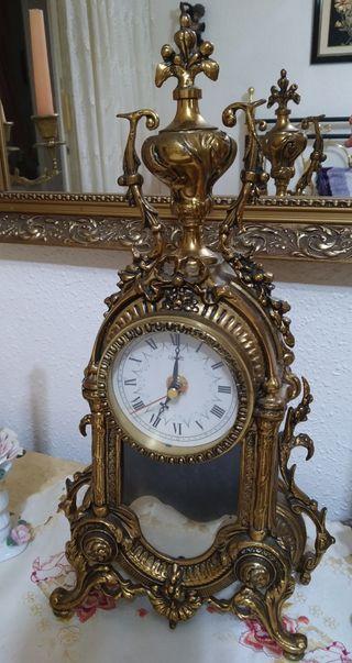 Reloj antiguo de mesa