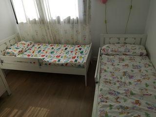 2 camas modelo Kritter, con colchón y barreras