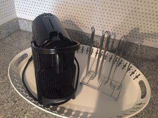 Cafetera cápsulas Nespresso DeLonghi (regalo acces