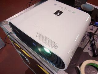 Sony VPL-EXL7