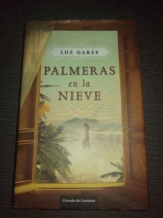 """Libro """"Palmeras en la nieve"""" de Luz Gabás"""