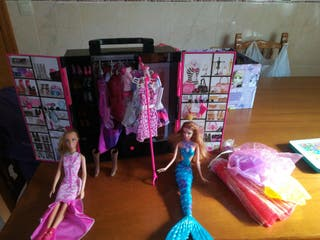 armario y vestidos de barbie