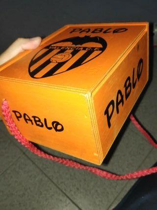 pegatinas en tu caja de petardos