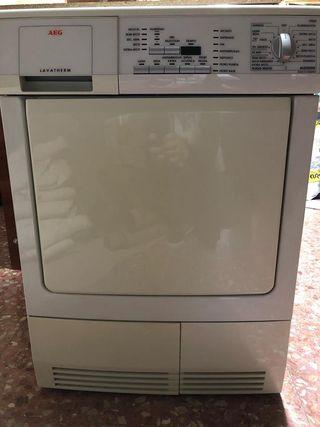 Secadora AEG 6kg lavather