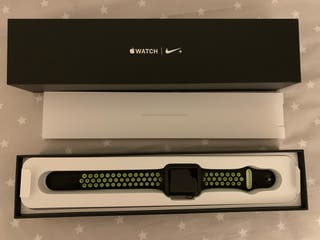 Apple Watch Series 2 Nike edition (42 mm)