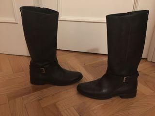 Botas camperas negras piel de niña T.36