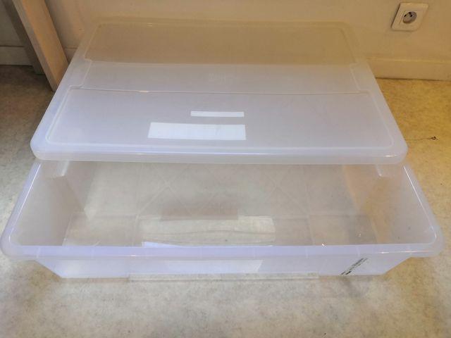 2 boîtes de rangement sous lit IKEA