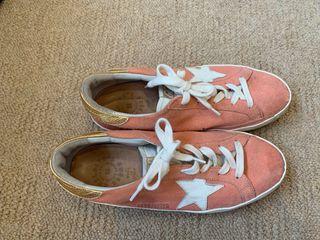 Zapatos golden goose