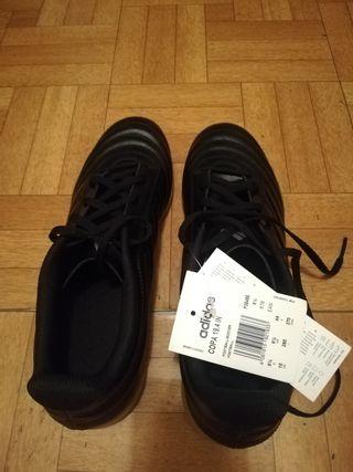 Zapatillas deportivas marca ADIDAS