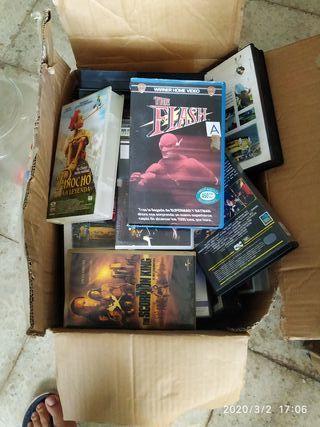 caja con varios VHS