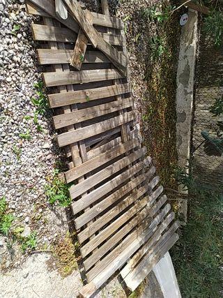valla de jardín de madera