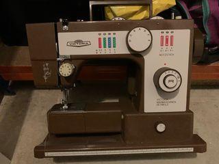 Máquina de coser Victoria Nahmaschine de segunda mano por