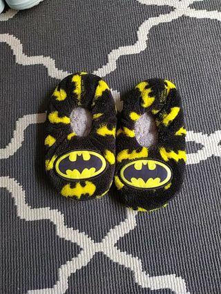 Zapatillas tipo calcetín de Batman.
