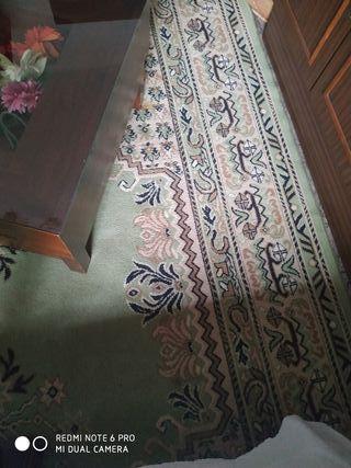 alfombra poco uso 3metros de laro por 2m