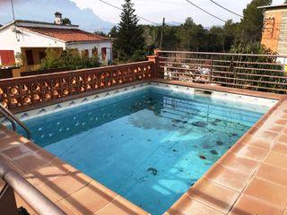 Casa con terreno llano y piscina! Ref 500