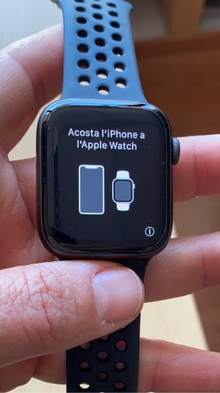 Apple Watch 4 Nike Space Gray 44 mm. Extras.