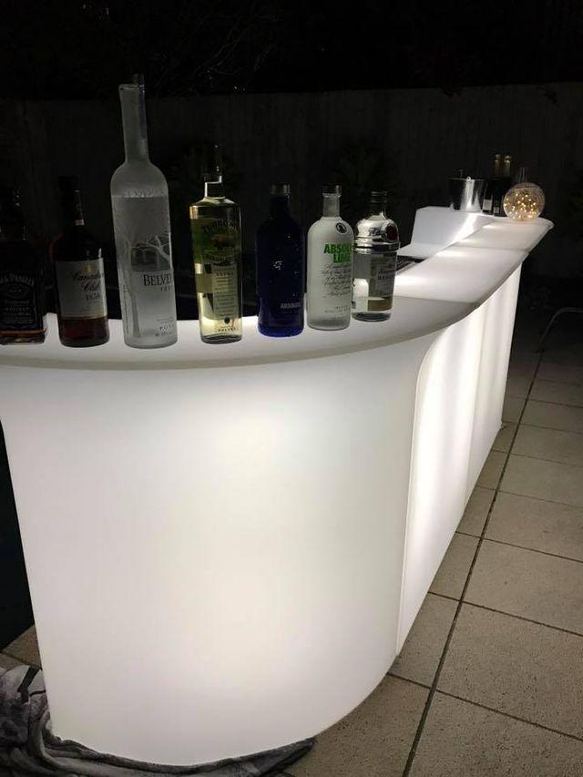 Mobiliario barras de bar mesas iluminadas