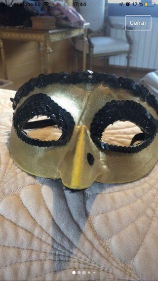 Mascara tipo veneciana
