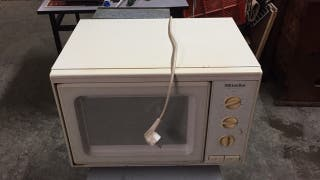 MICROONDAS MIELE DELUXE M712
