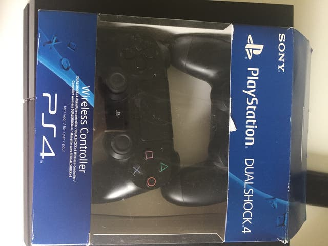 Commande play station 4