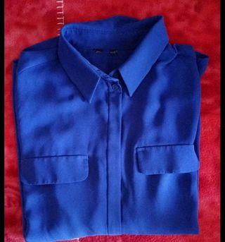 Blusa azul eléctrico