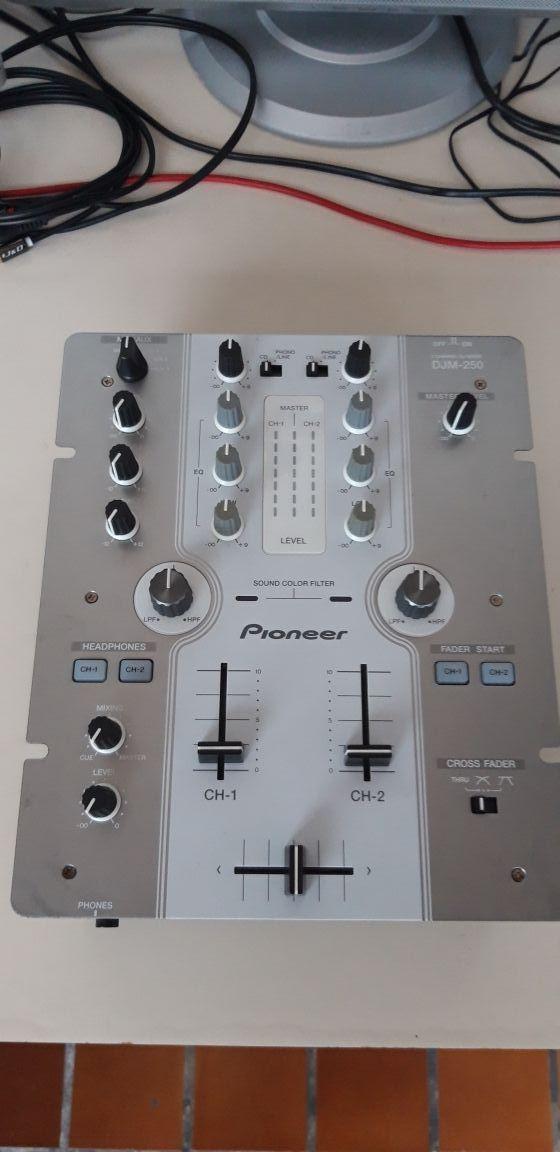 Mesa Mezcla Pioneer DJM 250