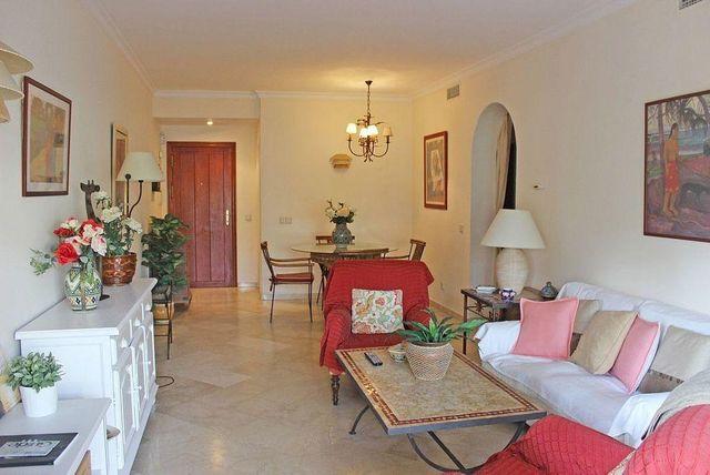 Apartamento en alquiler en El Padrón - El Velerín - Voladilla en Estepona (San Pedro Alcántara, Málaga)