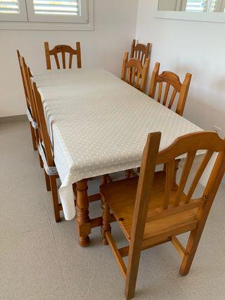 Mesa de madera estilo provenzal mas 8 sillas