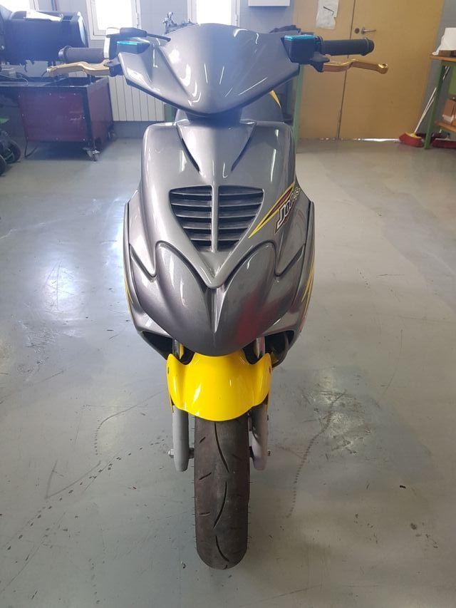 Yamaha jog rr competición