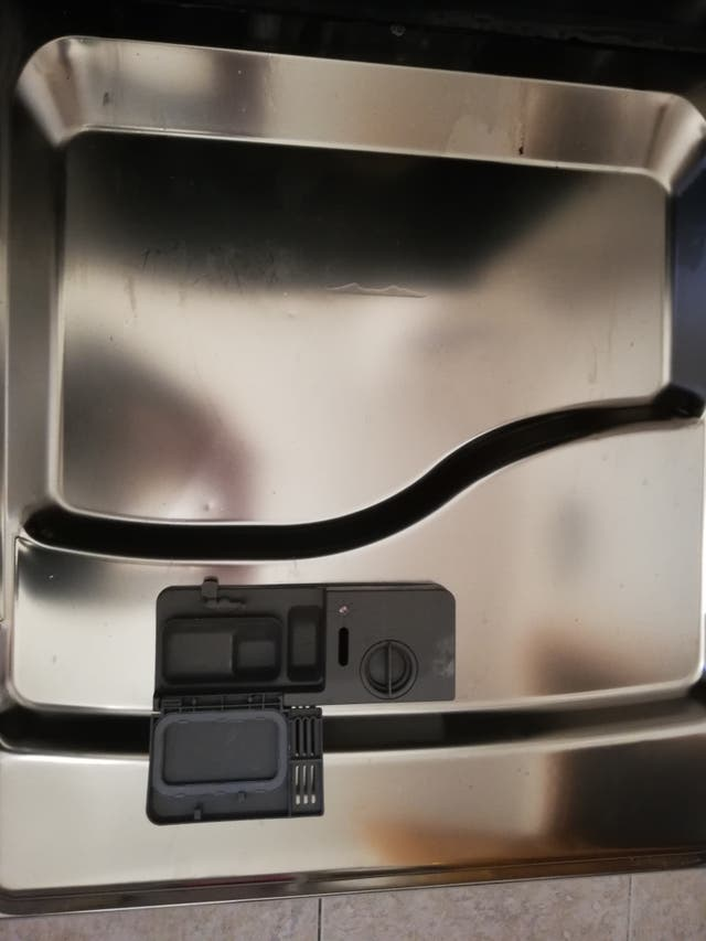 Lavavajillas Haier en acero inoxidable en perfecto