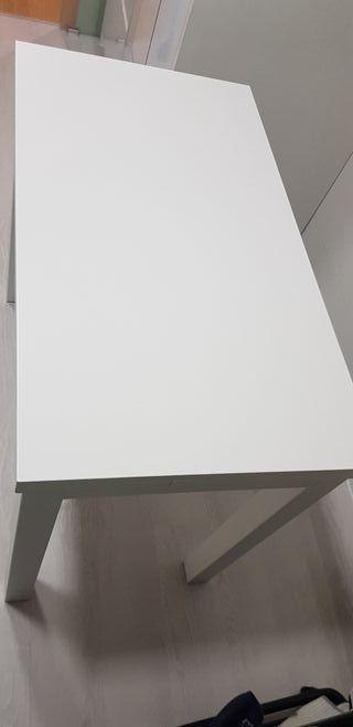 Mesa blanca extensible comedor/cocina