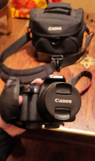 Canon eos1300D digital SLR camera + kit