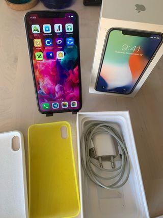 iPhone X 64gb plata y fundas