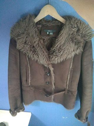 abrigo corto pelo Zara