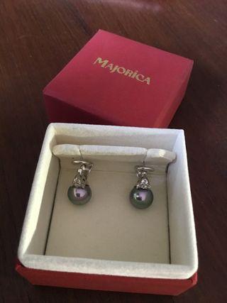 Majorica. Pendientes de plata y perla gris
