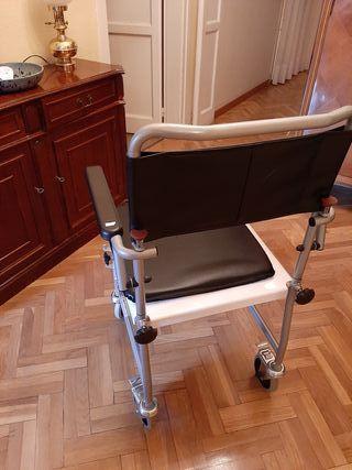 silla ruedas con inodoro